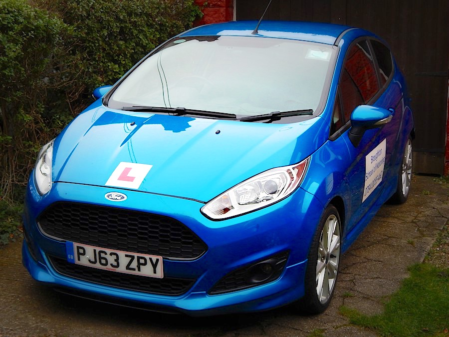Take driving lessons in Scunthorpe this car!